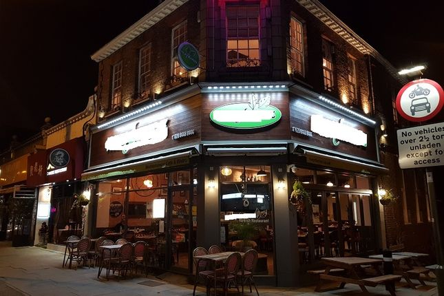 Thumbnail Restaurant/cafe for sale in High Road, North Finchley, London