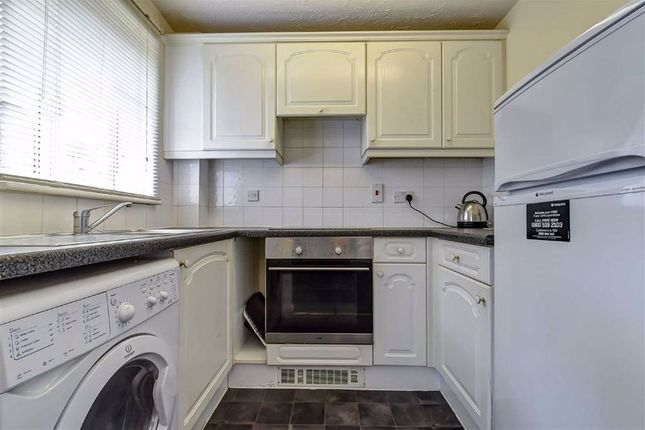 Kitchen of Lock Keepers Court, Hull HU9