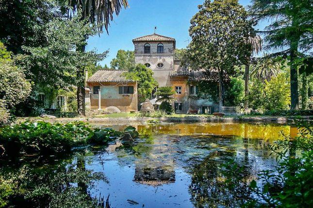 Thumbnail Villa for sale in Via Della Caffarella, Rome City, Rome, Lazio, Italy