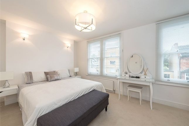 Thumbnail Flat for sale in Marlborough Road, Bowes Park, London