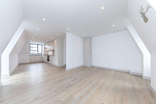 2 bed flat for sale in Watney Street, London E1
