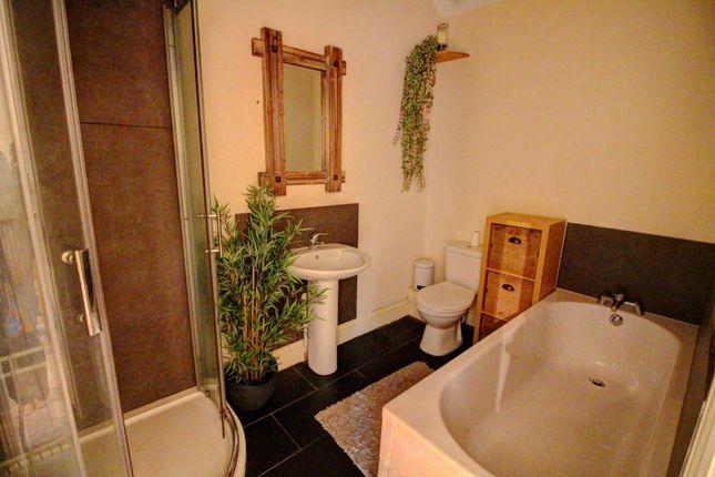 Family Bathroom of Church Hill, Barnsley S71