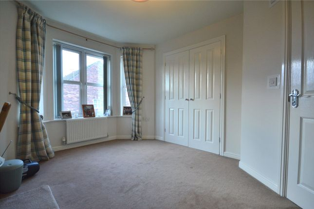 Picture No. 13 of Temple Court, Wakefield, West Yorkshire WF1