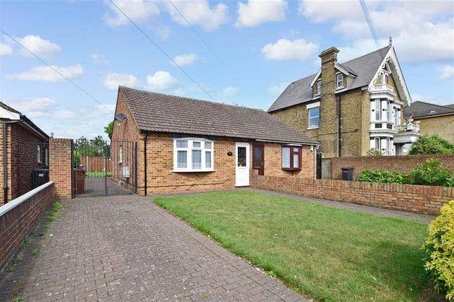 Thumbnail Bungalow to rent in Lennox Road, Northfleet