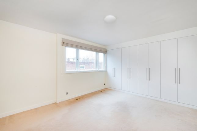 Thumbnail Terraced house to rent in Woodsford Square, London