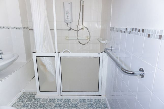 Shower Room of Newland Avenue, Hull HU5