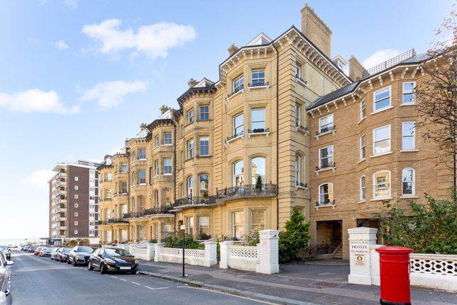 Thumbnail Flat to rent in First Avenue, Hove