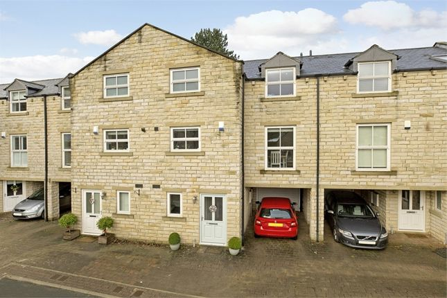 Thumbnail Town house for sale in 10 Hollingwood Park, Ilkley, West Yorkshire