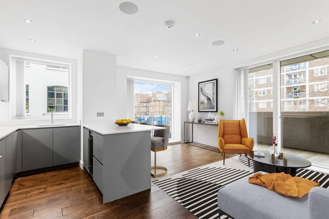 Thumbnail Flat for sale in Chatham Place, London