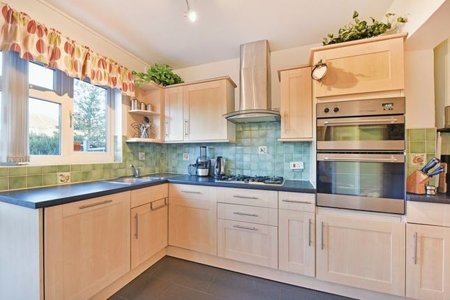 Kitchen of Brockenhurst Way, London SW16