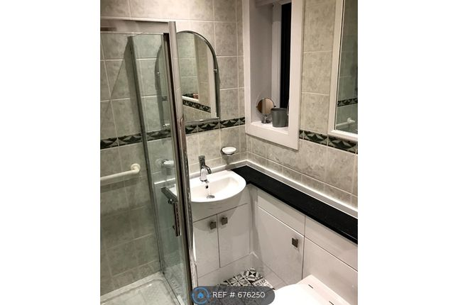 Bathroom of Pittodrie Place, Aberdeen AB24