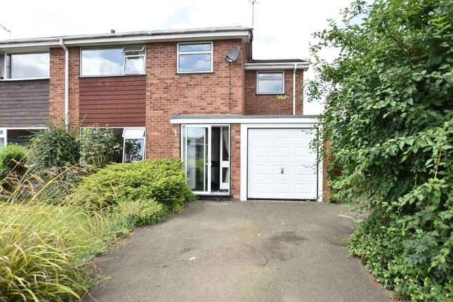 Thumbnail Semi-detached house for sale in Lingfield Road, Evesham