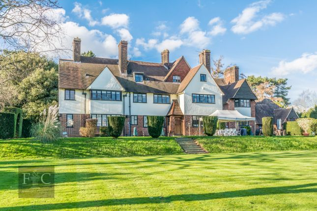 Thumbnail Property for sale in Yewlands, Hoddesdon, Hertfordshire