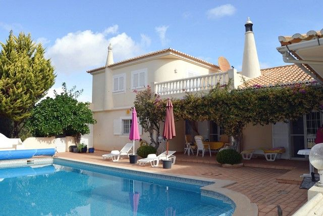 4 bed villa for sale in Portugal, Algarve, Portimao