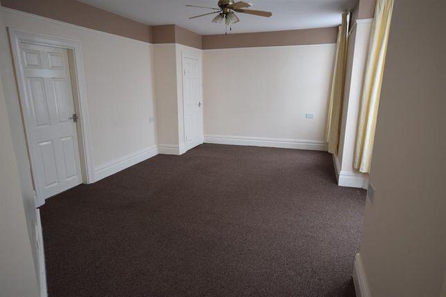 Thumbnail Flat to rent in Blackburn Avenue, Bridlington
