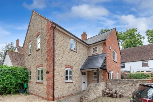 Thumbnail Flat to rent in Priory Lane, Bicester
