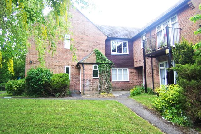 Thumbnail Flat for sale in Wessex Close, Hungerford