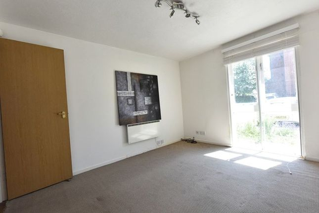 Thumbnail Flat to rent in Gables Close, Grove Park, London(Virtual Tour)
