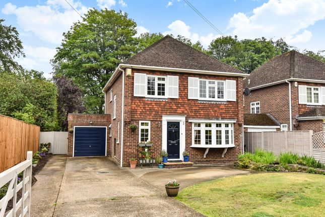 Thumbnail Detached house for sale in Queens Road, Fleet