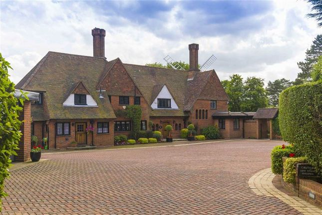 Thumbnail Detached house for sale in Windmill Lane, Arkley, Hertfordshire