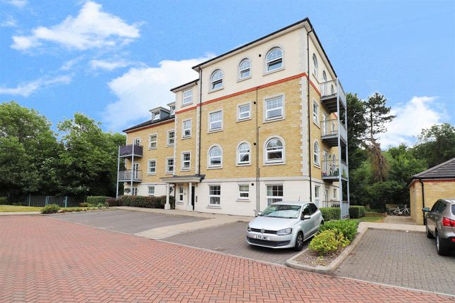 2 bed flat to rent in Weir Road, Bexley DA5