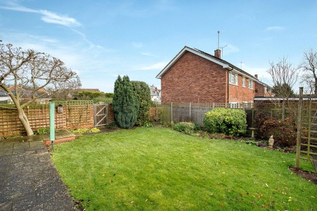 Picture No. 18 of Paddock Close, Pershore, Worcestershire WR10