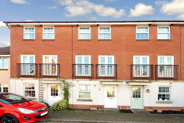 Thumbnail Town house to rent in Spindler Close, Kesgrave, Ipswich
