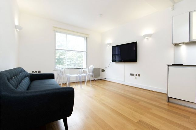 2 bed flat to rent in St. John Street, London
