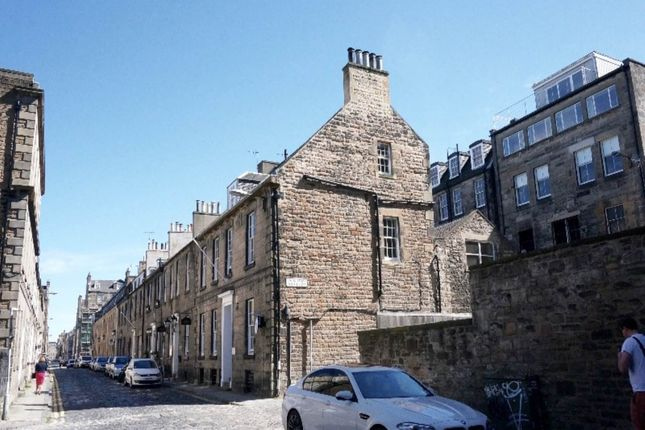 Thumbnail Flat to rent in Young Street Lane South, New Town, Edinburgh