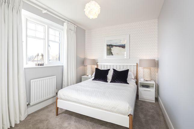 3 bedroom terraced house for sale in Lower Road, Bookham