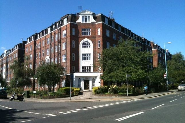Thumbnail Flat for sale in Beaumont Court, Chiswick
