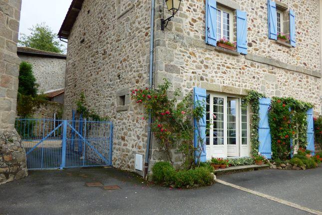 Thumbnail Town house for sale in Rochechouart (Commune), Rochechouart, Haute-Vienne, Limousin, France