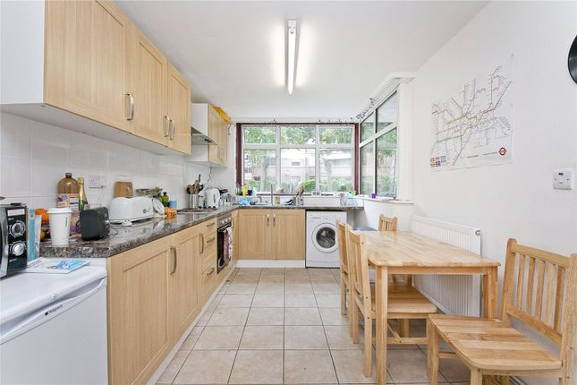 Thumbnail Maisonette to rent in Scholefield Road, London