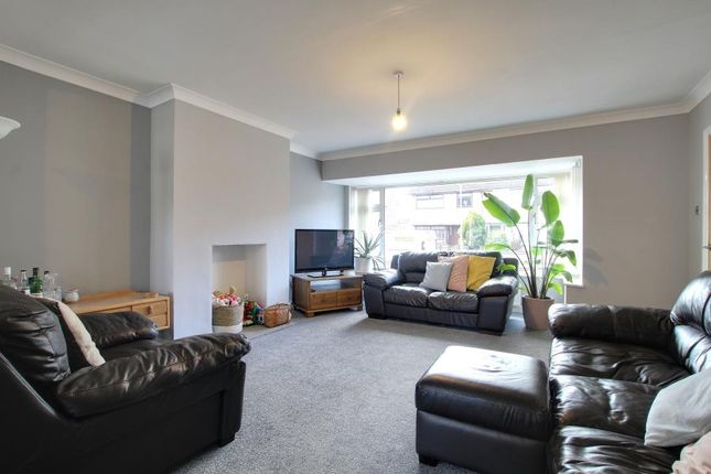 3 bed terraced house to rent in Sutton House Rd, Hull HU8