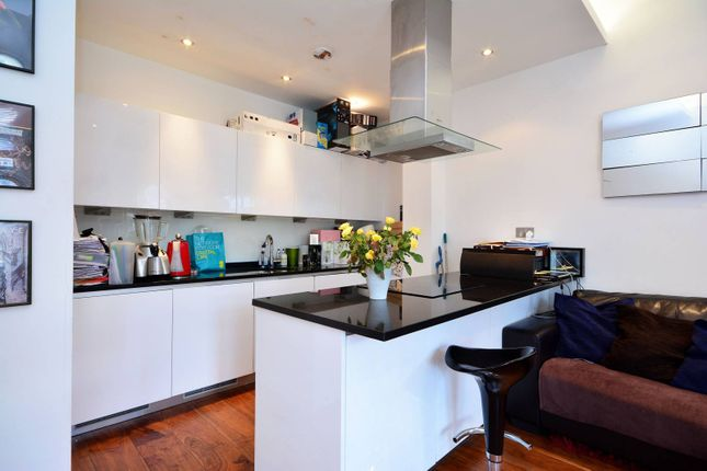 1 bed flat to rent in Berners Street, Fitzrovia