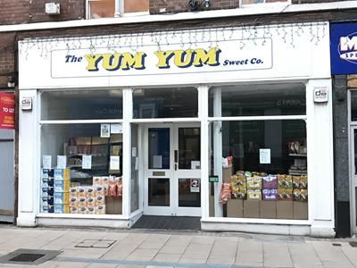 Thumbnail Retail premises to let in 207 Station Street, Burton Upon Trent, Staffordshire