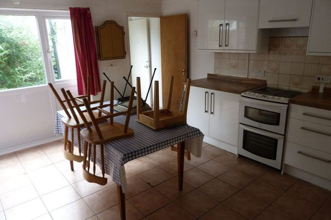 Thumbnail Property to rent in Dogfield Street, Cathays, ( 6 Beds )