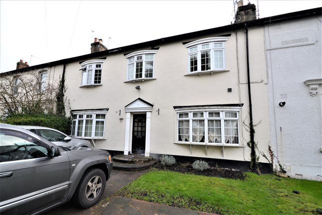 Flat to rent in Henry Road, New Barnet