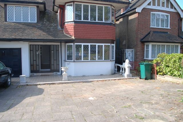 Thumbnail Detached house to rent in Chase Side, Southgate