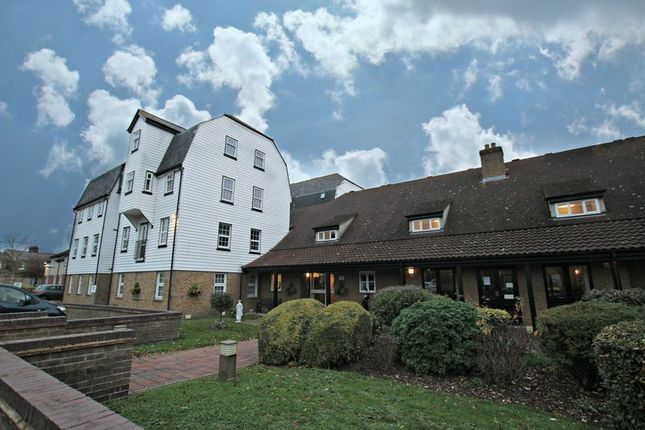 Thumbnail Property for sale in The Garners, Rochford