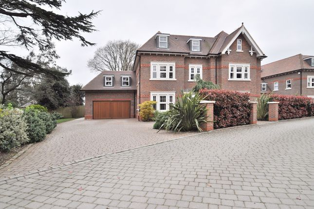 Thumbnail Detached house for sale in Roxburgh Place, Bromley