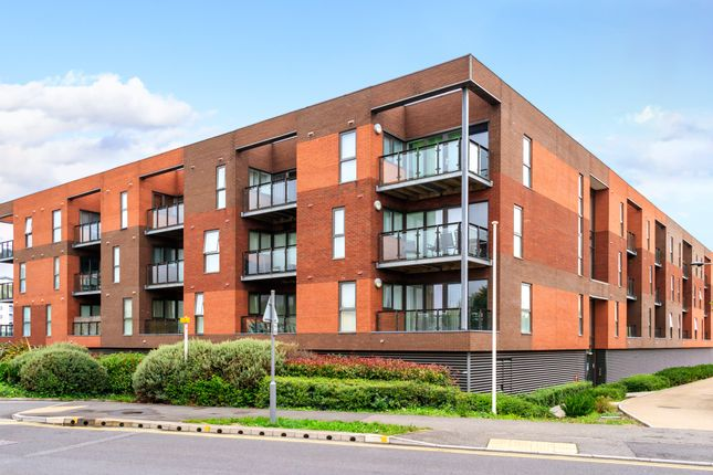 Thumbnail Flat for sale in Selskar Court, Newport