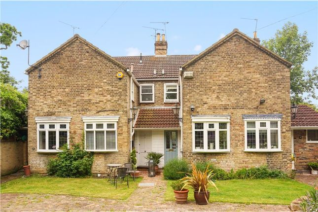 Thumbnail Terraced house for sale in High Road, Chigwell