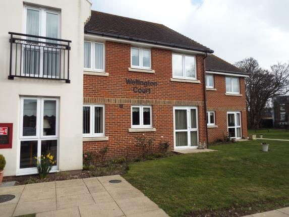 Thumbnail Flat for sale in Wellington Court, Beechwood Avenue, Deal, Kent