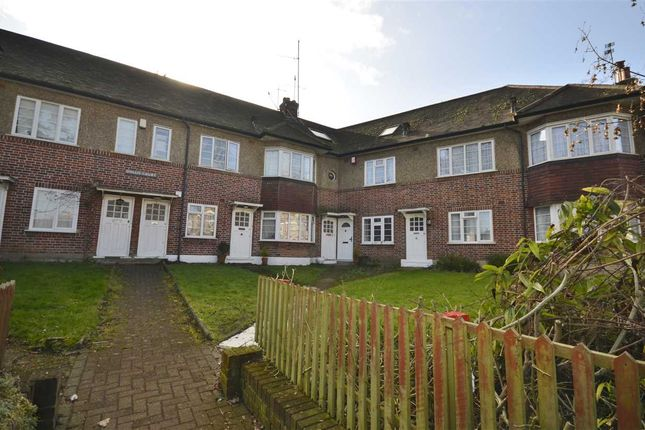 Thumbnail Flat to rent in Dollis Court, Crescent Road, London