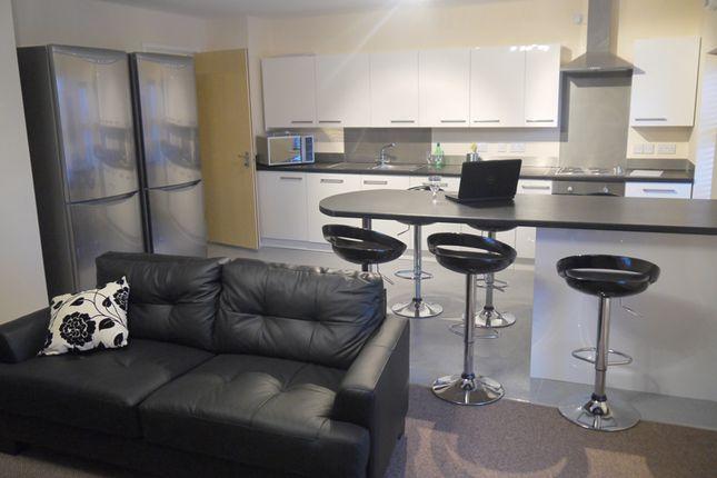 Thumbnail Shared accommodation to rent in Tithebarn Street, Preston
