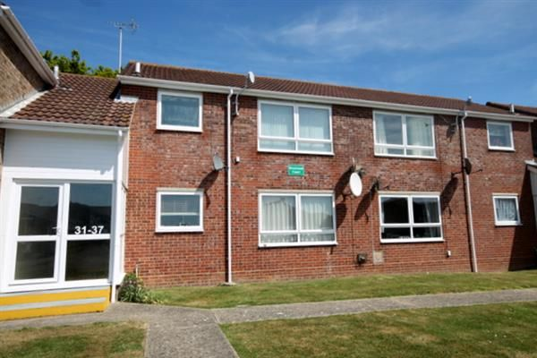 Thumbnail Flat for sale in Epping Close, Clacton-On-Sea