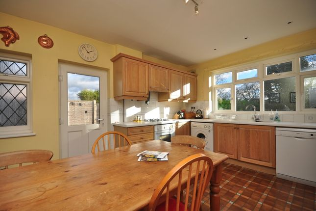 Thumbnail Detached house to rent in Upper Woodcote Village, Purley