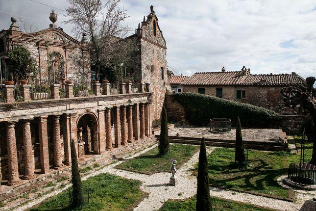 Thumbnail Town house for sale in Sarteano, Sarteano, Siena, Tuscany, Italy