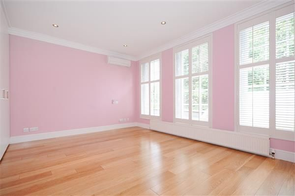 Bedroom of Springfield Road, London NW8